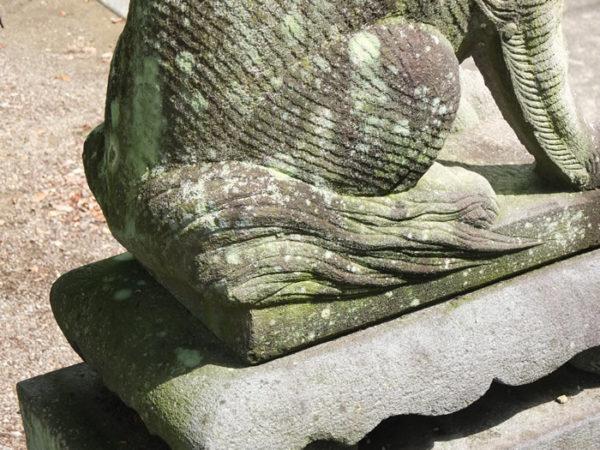 中央市浅利・諏訪神社のボーダー狛犬