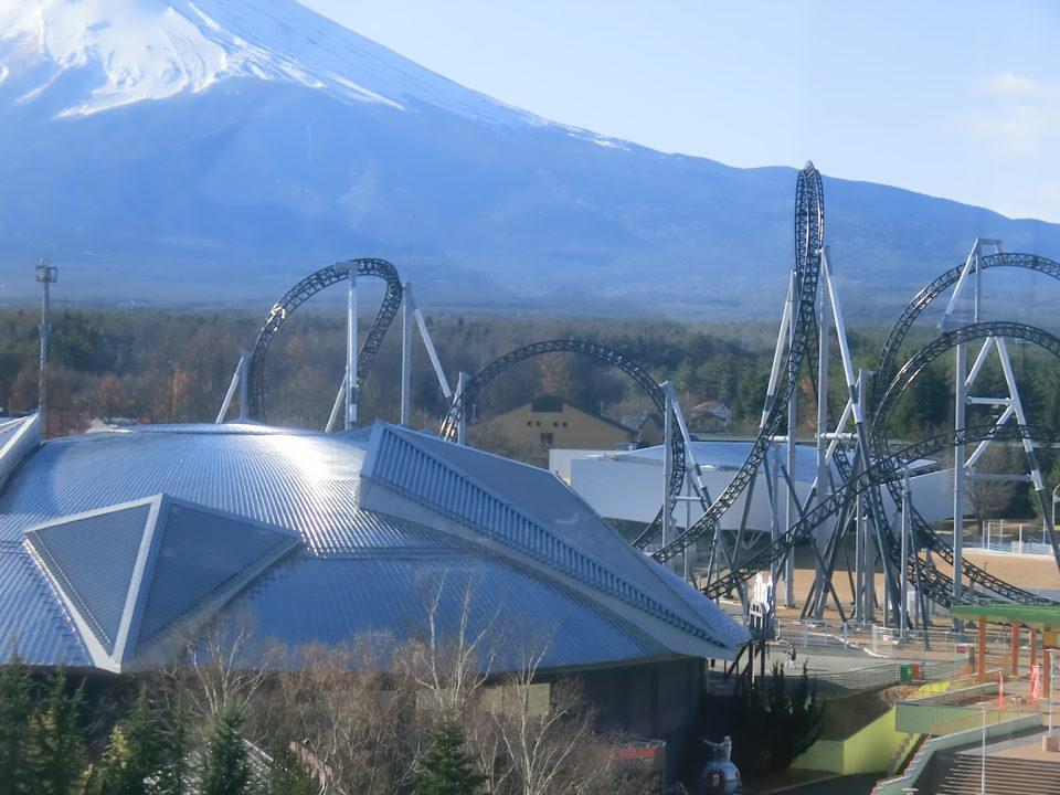 富士急ハイランドに1人で行った時の事