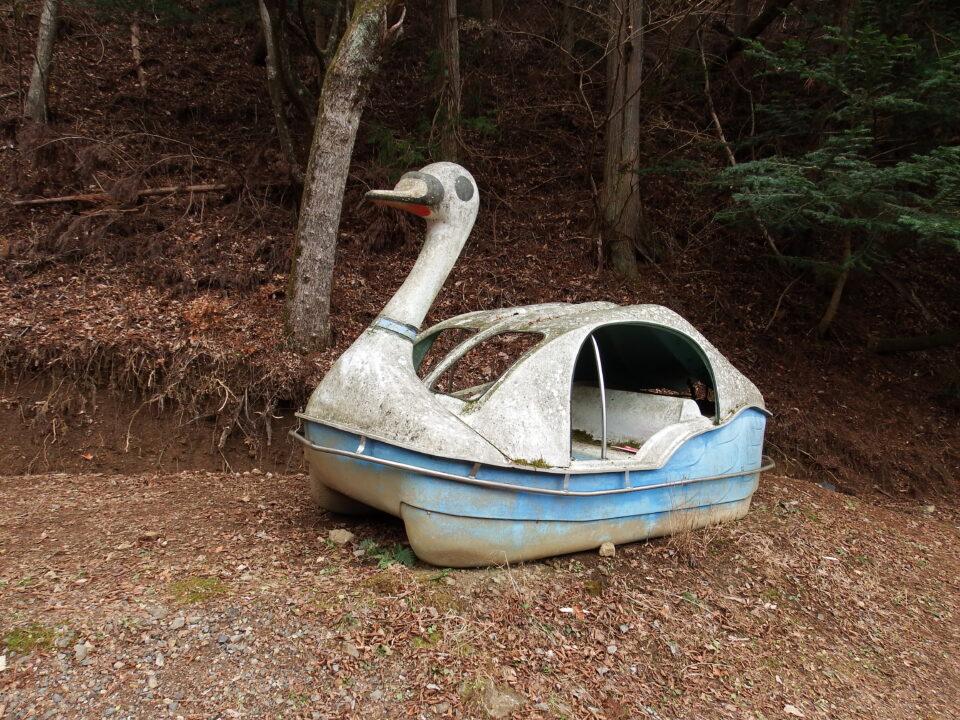 四尾連湖 白鳥 ボート