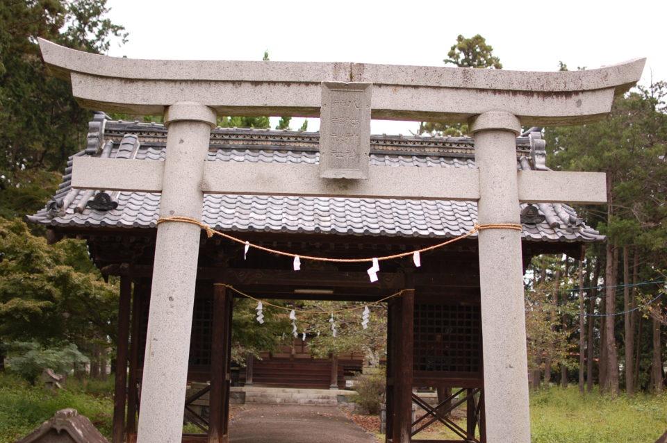 山梨県南アルプス市寺部 神部神社