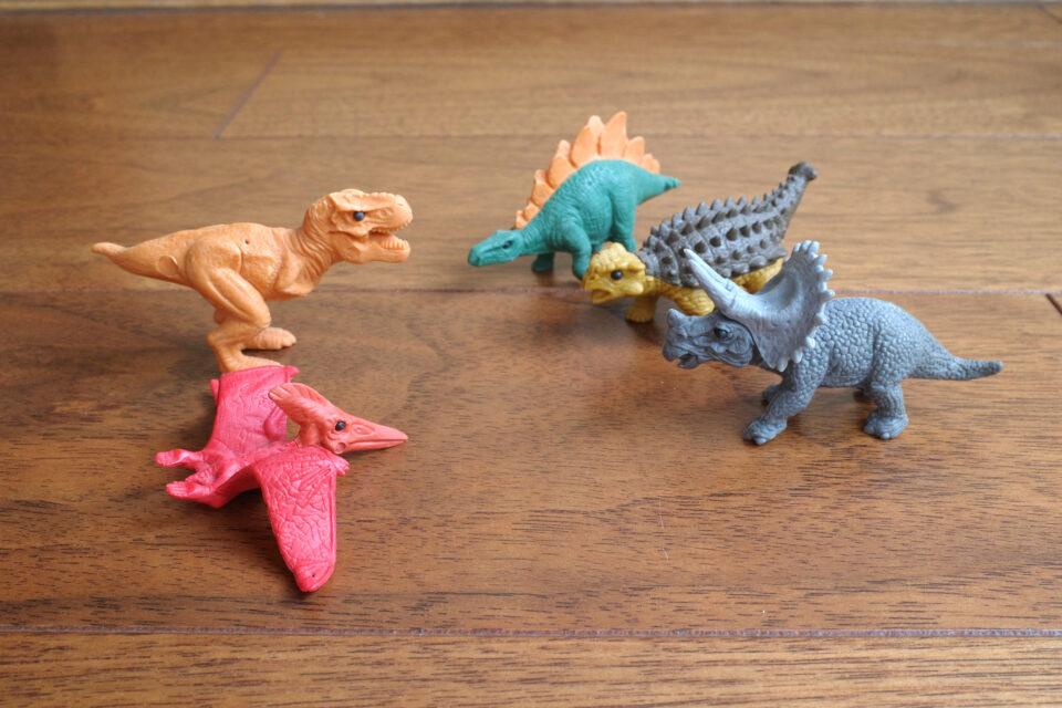 イワコーの恐竜消しゴム